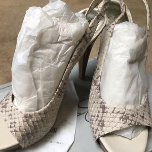 Ladies Jessica Simpson heels